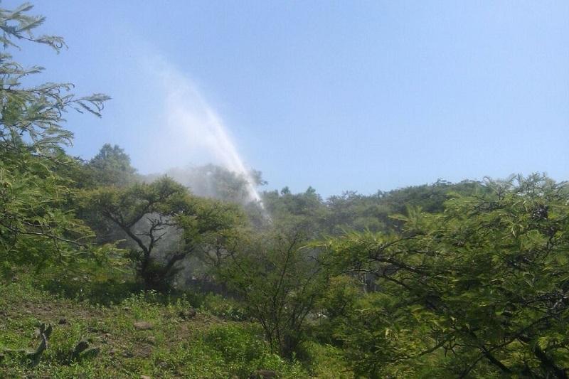 Al lugar arribaron el Ejército Mexicano, la Policía Michoacán y personal de Pemex