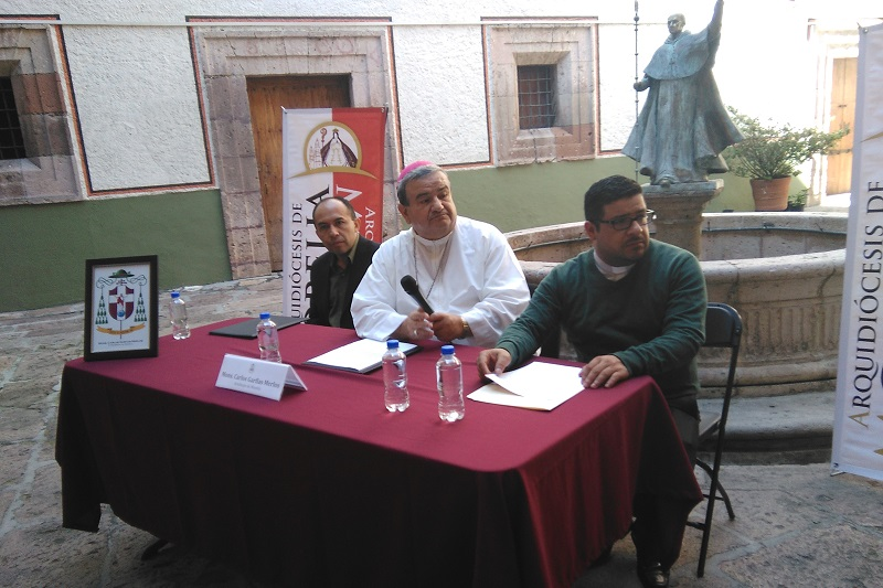Garfias Merlos fue cuestionado en torno al llamado del fundador de los grupos de autodefensa en Michoacán a confrontar al Ejército Mexicano en Tepalcatepec