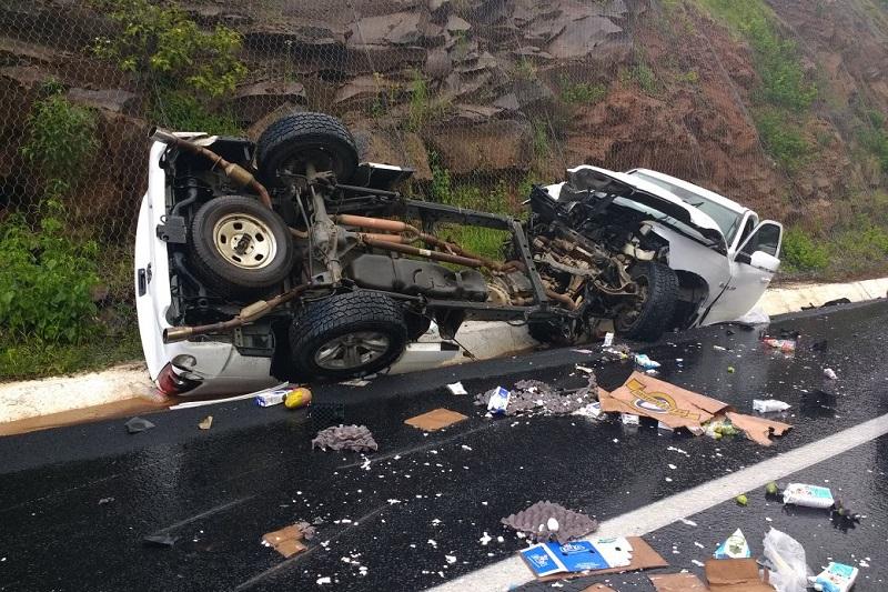 Personal de la Policía Federal División Caminos realizó el peritaje del accidente y retiró la unidad