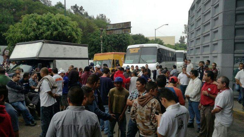 """El coordinador de la Ruta Naranja 3, Pablo Salazar, precisó que los camiones ilegales se hacen llamar de la ruta Popular """"Metropolitana"""" que presta el servicio desde la zona de Tarímbaro hacia Morelia sin tener un recorrido definido"""