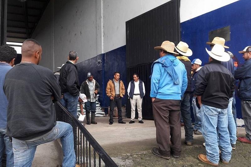 Valentín Morales dio a conocer que este fertilizante lo reciben los productores a un 60% de su costo real