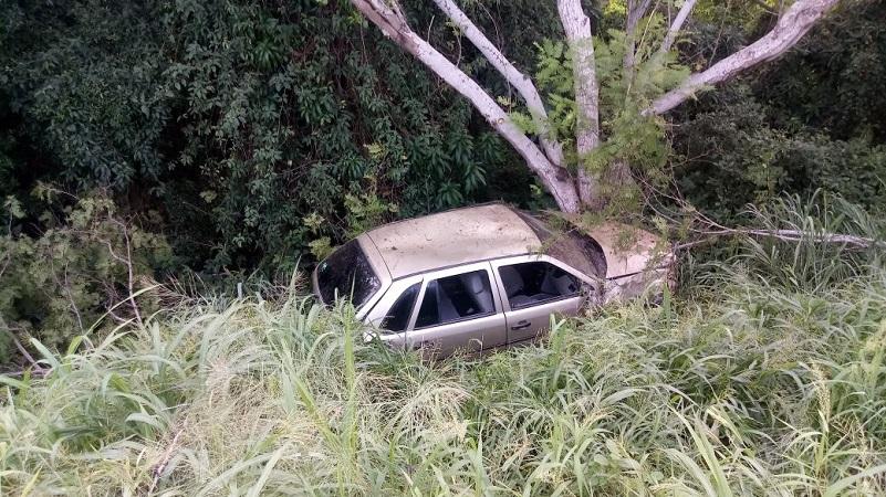 Usuarios de la Autopista dieron aviso a los servicios de emergencia por lo que arribaron elementos de Rescate y Salvamento adscritos a la caseta de peaje de Feliciano