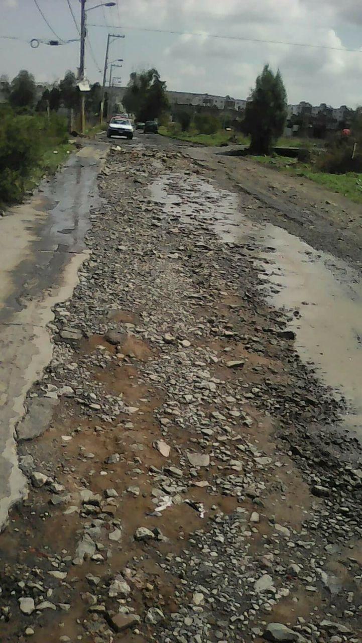 Los afectados exigen a Grupo Herso y el Ayuntamiento de Morelia que se reparen la vialidad, pero hasta el momento no han sido atendidos por ninguna de ambas instancias