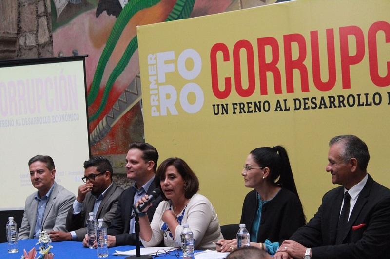 La denuncia, la herramienta más importante contra la corrupción: Calderón Hinojosa