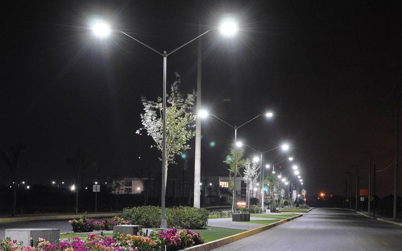 En un futuro, los nuevos desarrollos habitacionales dentro del municipio de Morelia tendrán como obligación utilizar nuevas tecnologías en el alumbrado público, pues está comprobado que estas representan menor gasto