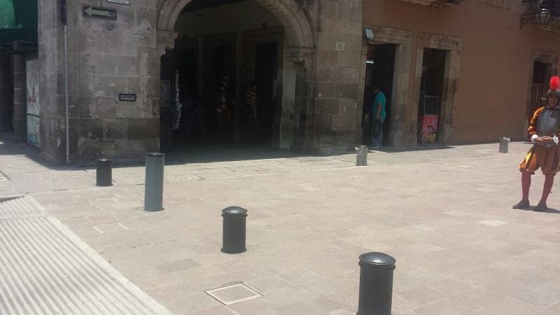 Se especula que están habilitando una salida para el estacionamiento y el hotel que se encuentran en el lugar