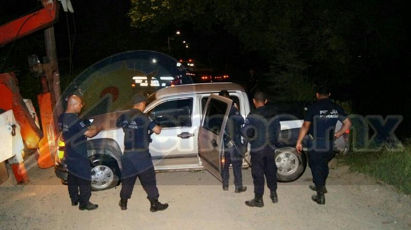 Los elementos de la Policía Michoacán del incidente se trasladaron en apoyo al elemento de tránsito para dar seguridad mientras se realizaban las maniobras de rescate del vehículo el cual fue abandonado en el lugar