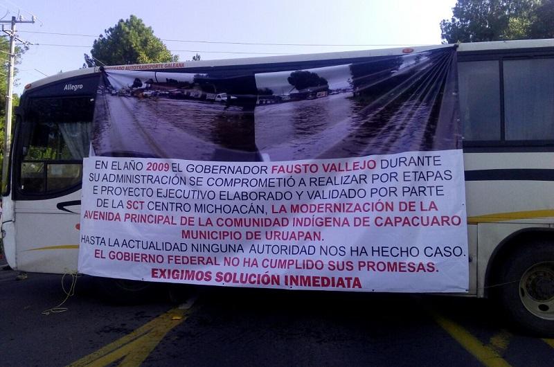 Los manifestantes  indicaron que en la administración de Fausto Vallejo no se realizó ninguna gestión durante casi un año que estuvo al frente del estado de Michoacán