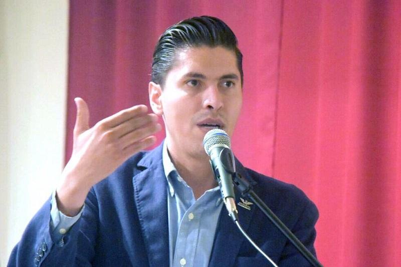 Paredes Andrade lamentó que el gobierno municipal se declare incompetente en materia de alumbrado público y prefiera privatizar para hacer negocio sin consultar a los morelianos
