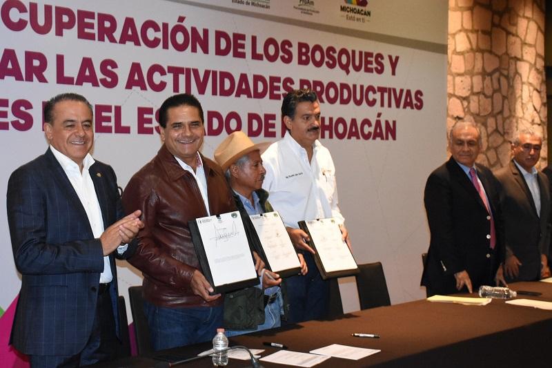Lo anterior en el marco de  la Firma del Acuerdo de Concertación para la Recuperación de los Bosques y Recursos Naturales e Incentivar las Actividades Agropecuarias Sustentables en el Estado de Michoacán