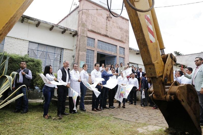 Cumple Silvano Aureoles compromiso de dignificar los espacios para la atención a la salud de los michoacanos