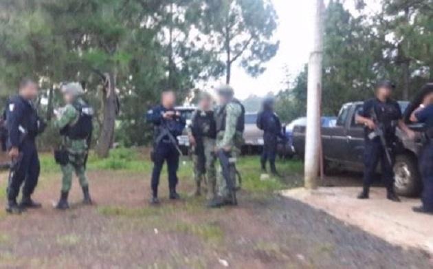 Las personas detenidas, así como los vehículos, armas, droga y equipo táctico fueron puestos a disposición de la autoridad correspondiente