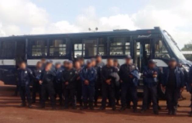 Entre el personal trasladado se encuentran el director, el subdirector y el coordinador operativo, por lo que la seguridad pública del municipio quedó a cargo de la Policía Michoacán mientras se desarrollan las diligencias de la PGJE
