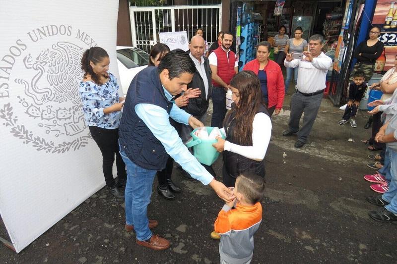 Cumple LICONSA a michoacanos; entregan nuevas tarjetas a beneficiarios en Zamora