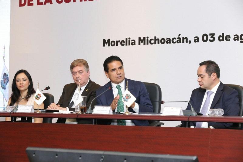 Esta región tiene las condiciones para convertirse en el mayor polo de desarrollo del país, destaca el gobernador de Michoacán