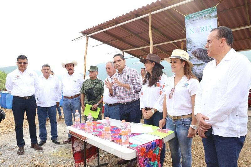 Silvano Aureoles supervisa proyecto para el desarrollo de cultivo comercial de tilapia en la Presa El Infiernillo