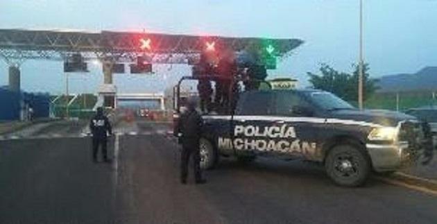 El vehículo, arma, cargadores, cartuchos y droga fue puesto a disposición de las autoridades competentes