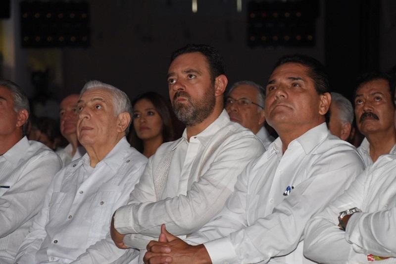 El jefe del Ejecutivo en Michoacán escuchó los avances alcanzados de Moreno Cárdenas a dos años de su administración