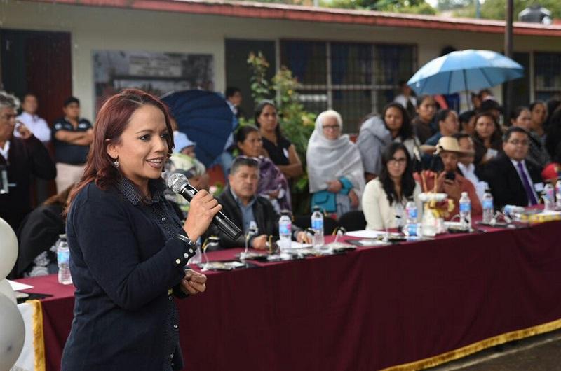 Villanueva Cano reconoció que aunque la figura de maestro sombra ya funciona en las escuelas de paga, el costo y mantenimiento de este acompañamiento para los niños o jóvenes con necesidades educativas especiales es sumamente complicado para el promedio de las familias michoacanas