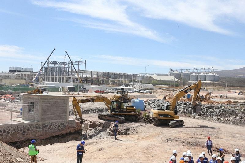 Sobre el consorcio empresarial Lintel, Jesús Melgoza explicó que es una compañía con 16 años de experiencia en el sector industrial, cuenta con 11 complejos industriales en la región centro occidente del país: nueve en Guanajuato, uno en San Luis Potosí y otro en Jalisco