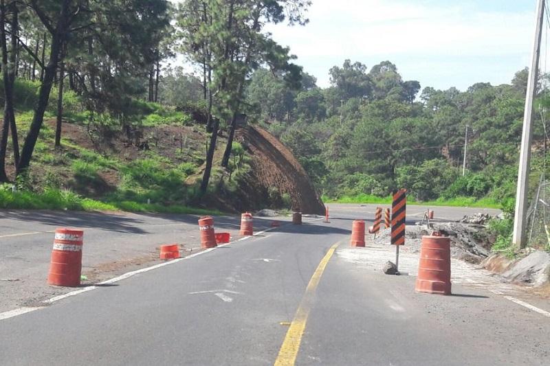 Se recomienda a automovilistas tomar precauciones al conducir por las carreteras de Michoacán