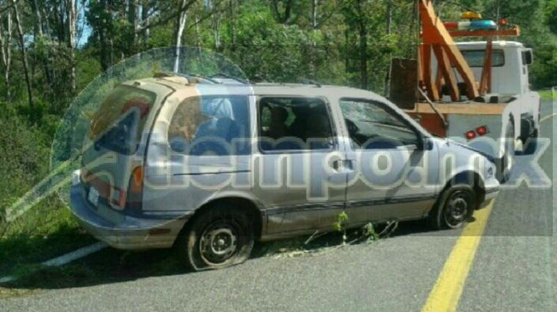 Autoridades correspondientes se hicieron cargo de realizar el peritaje del accidente, así como de retirar la unidad a un corralón