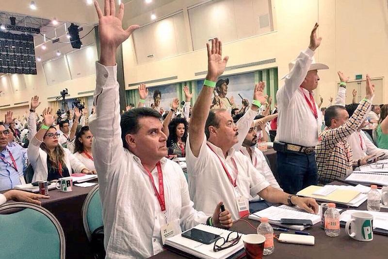 Silva Tejeda admitió que la falta de solidez como instituciones políticas, ante los ojos ciudadanos, han dejado mucho que desear de parte de todos los partidos políticos, lo cual ha afectado su credibilidad y por ende, aceptación