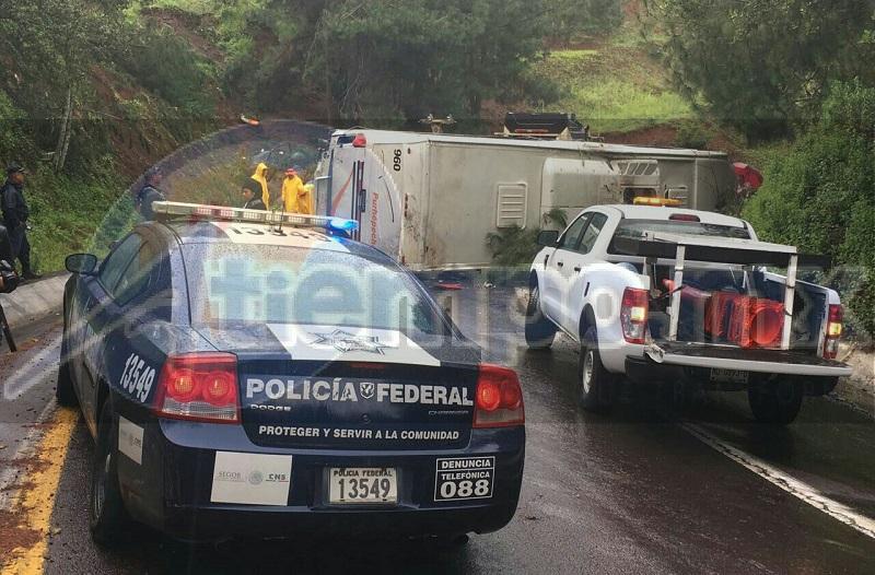 En el Hospital del Ángel de la ciudad de Uruapan falleció una de las víctimas, misma que hasta el momento no está identificada
