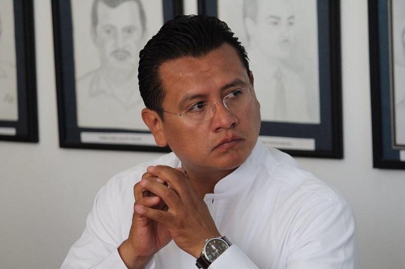 """""""Exigimos que aporte cifras reales sobre los índices delictivos, que de cuentas sobre lo que ha hecho en materia de seguridad, de generación de empleos y que transparente con honestidad la inversión en obras y acciones en la ciudad"""", manifestó Torres Piña"""