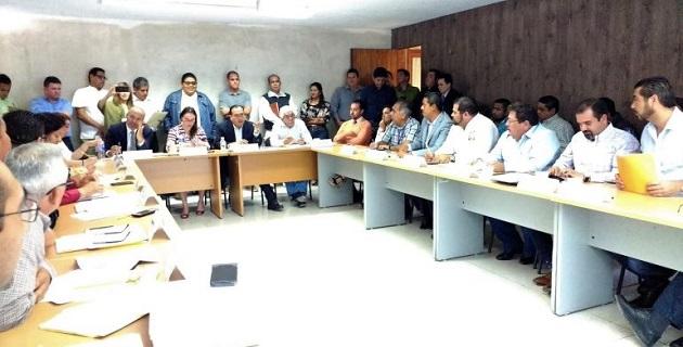 En la última sesión extraordinaria del Programa 3 x 1 para Migrantes se aprobaron 19 proyectos con lo que se evitó que el recurso destinado a Michoacán no se distribuyera y tuviera que ser reintegrado a la Secretaría de Hacienda