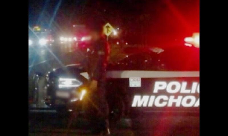 Derivado de la agresión, la fachada de la presidencia municipal y de la Dirección de Seguridad resultaron con daños por los impactos de bala, al igual que cuatro patrullas de la Policía Michoacán que se encontraban en el lugar