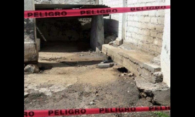 Personal de la Policía Michoacán inspeccionó los alrededores de la DSP, encontrando un segundo artefacto explosivo en el área de estacionamiento, mismo que fue asegurado, mientras que se notificó a la autoridad competente