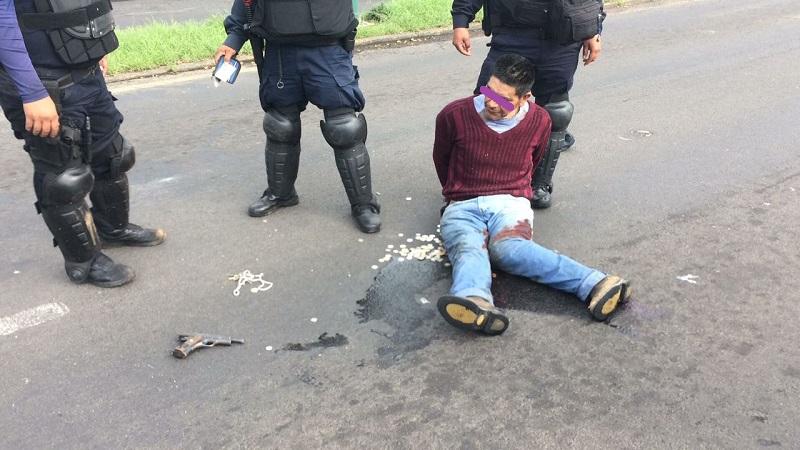El elemento lesionando y el civil fueron trasladados para recibir atención médica, tomando conocimiento la Fiscalía del Estado sobre este hecho