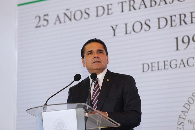 Aureoles Conejo adelantó que, en próximos días, en conjunto con el Coneval, se hará una revisión de los trabajos que se realizan en Michoacán, con el objetivo de identificar los focos rojos y atenderlos