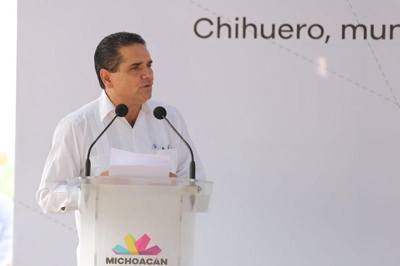 Silvano Aureoles destacó que en los últimos años se ha recuperado la rectoría de la educación, para lo cual es indispensable la coordinación entre padres de familia, maestras y maestros, así como las autoridades