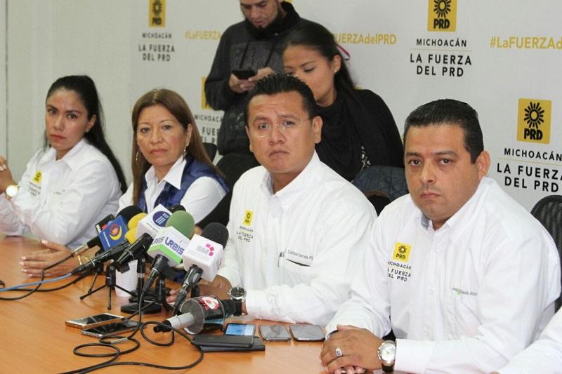 Torres Piña destacó que en la entidad, el partido se encuentra listo y fortalecido para el proceso electoral, pues existe la confianza de la ciudadanía, quienes en el 2015 eligieron a un gobernador y a casi la mitad de los ayuntamientos perredistas
