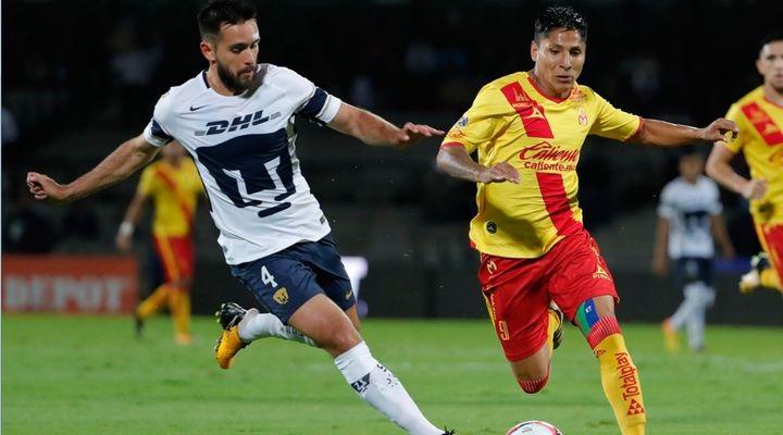 El cero por cero se rompió con tanto de los visitantes. El atacante peruano Raúl Ruidíaz no desaprovechó un balón filtrado por el centro, encaró al 'pollo' Saldívar y definió para el primer gol de la noche