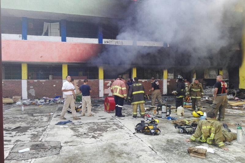 De acuerdo a los primeros datos recabados se presume que el incendio podría haber sido provocado, por lo que las autoridades correspondientes ya indagan el hecho