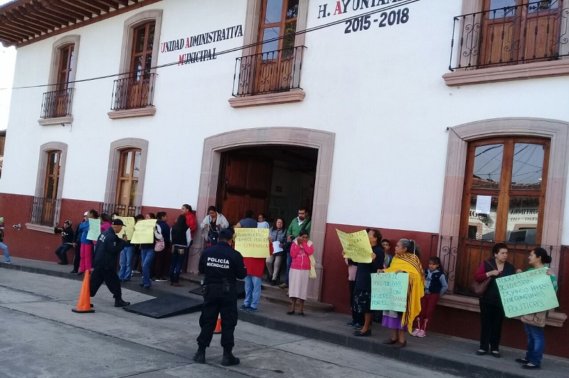 En este momento los manifestantes no obstruyen la vialidad, ni en Pátzcuaro ni en Morelia