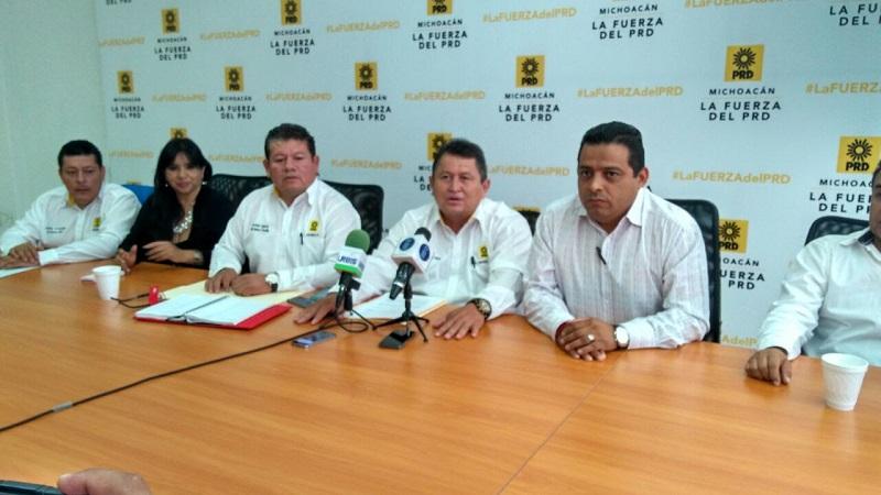 Maldonado Torres cuestionó el derroche de recursos públicos para los informes que da el alcalde de Morelia en las tenencias y colonias, debido a que ese recurso podría utilizarse para la reparación de calles, bacheo y alumbrado público