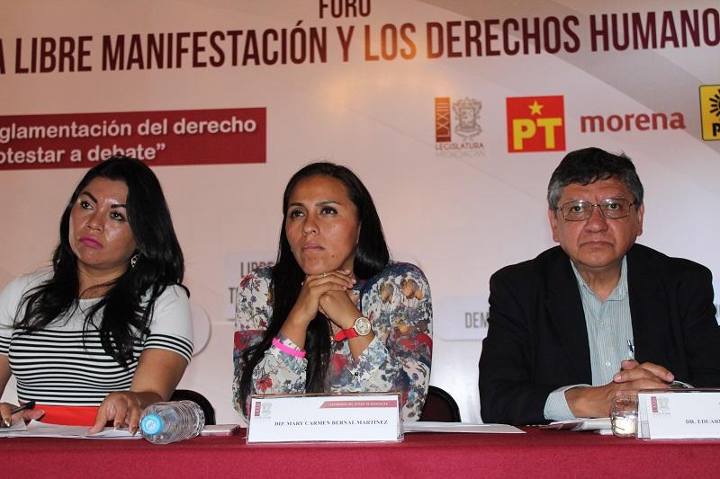 Bernal Martínez también dijo que la fracción petista siempre ha estado del lado de la gente y muy cercana a las necesidades que han expresado en cada una de las reuniones, juntas o gestiones que han solicitado