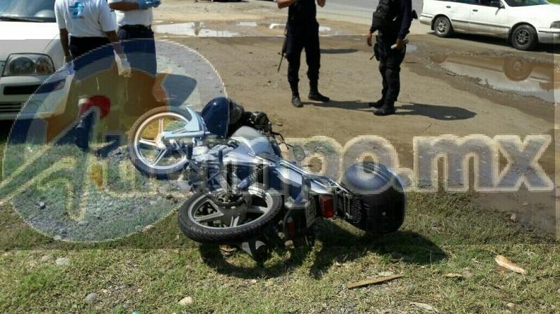 Tras el fuerte percance el motociclista fue trasladado para que recibiera atención médica a bordo de un vehículo particular, mientras que en el lugar quedó el cuerpo sin vida del señor Celso