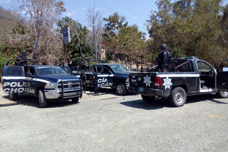 Los indiciados, armas, cargador, cartuchos y vehículos  fueron puestos a disposición del Ministerio Publico de la federación en Morelia, Zamora y Apatzingán