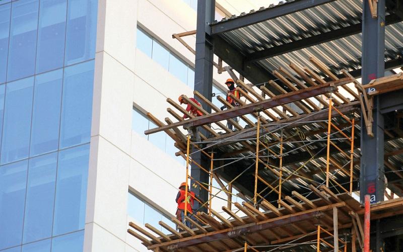 En cuanto a licencias de construcción, al 31 de julio el gobierno municipal ha emitido 2 mil 739 que corresponden a 2 millones 137 mil metros cuadrados y equivalen a un monto de inversión de 9 mil 618 millones de pesos