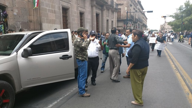 El chofer de la camioneta fue detenido para deslindar responsabilidades (FOTOS: FRANCISCO ALBERTO SOTOMAYOR)