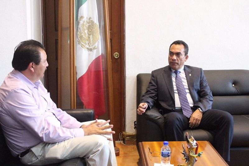 López Solís se ha reunido con ocho de los presidentes de las distintas fuerzas políticas, esto con miras a instalar la mesa de gobernabilidad en la que sean partícipes los partidos políticos y los organismos electorales