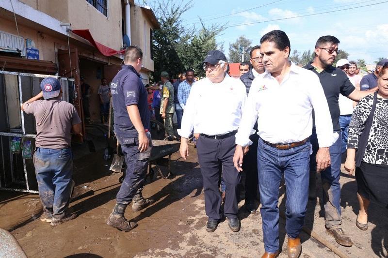 Silvano Aureoles realizó además un sobrevuelo por la zona para hacer un reconocimiento de los daños a los cultivos, tarea que habrá de reforzar la Secretaría de Desarrollo Rural y Agroalimentario