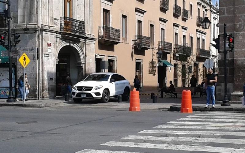 """Circularán autos entre semana sobre calle Ignacio Zaragoza; fines de semana será """"casi"""" peatonal"""