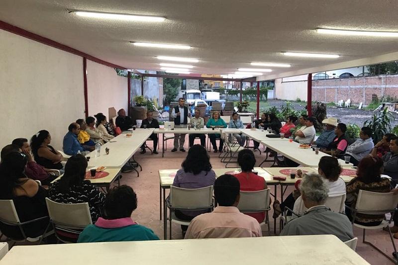 Ortiz García asistió a un encuentro con integrantes de Maestros y Sociedad en Movimiento, A.C.