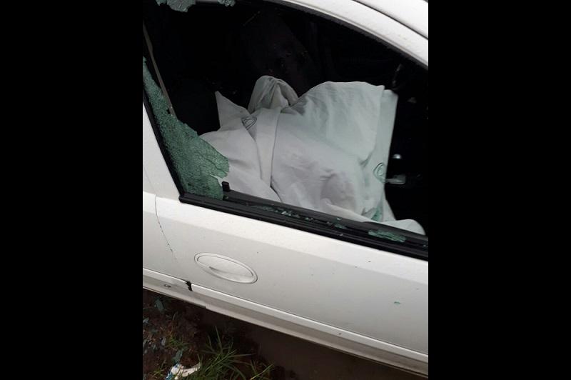 Fuentes policiales indicaron que la mañana de este jueves el elemento de la Policía Michoacán se trasladaba a bordo de su vehículo Chevrolet tipo Corsa, de color blanco